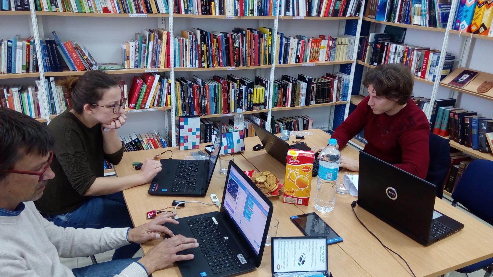 internetsko druženje za starije odrasle osobe