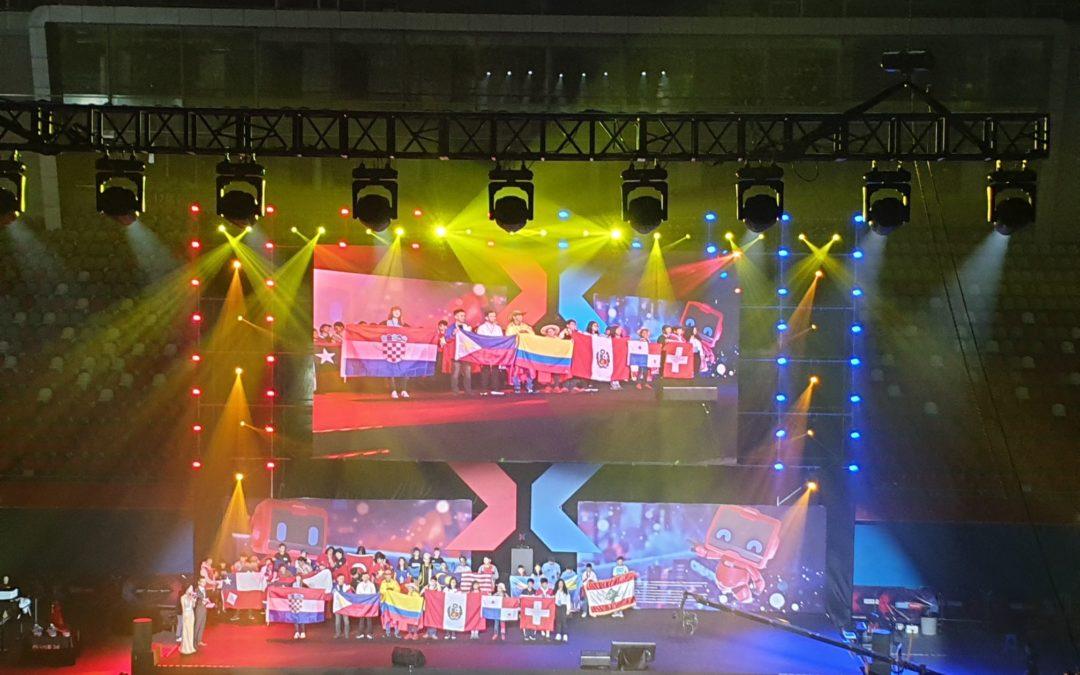 Povratak natjecatelja s MakeX 2019. natjecanja u Kini